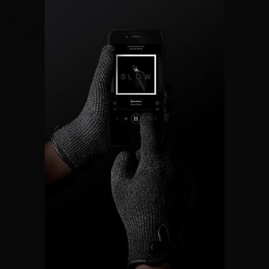 Single-Layered-Touchscreen-Gloves-003