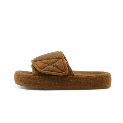 Yeezy Fleece Slide Season 7 Trench