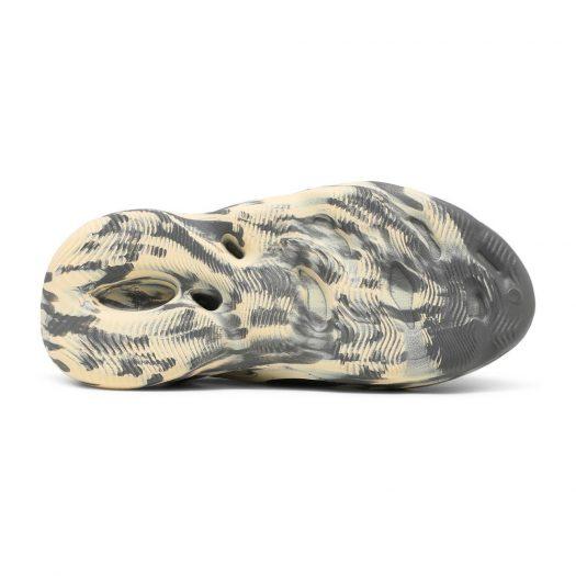 adidas Yeezy Foam RNNR MXT Moon Gray